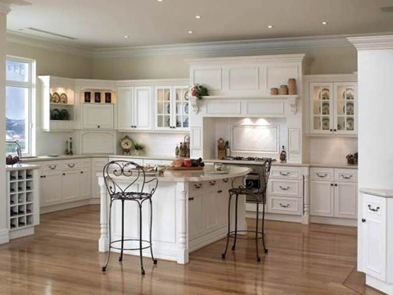 White U-shape Kitchen Worktop Idea