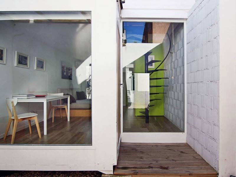 Tips to build a minimalist house in cheap cost 4 home ideas for Cheap minimalist furniture