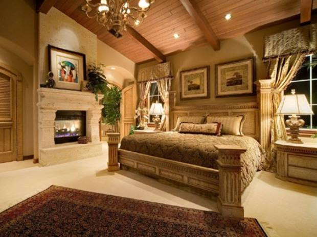 Elegant Master Bedroom With Luxury Interior
