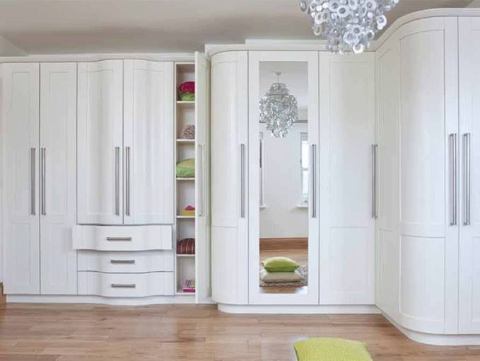 Elegant White Wardrobe For Luxury Bedroom