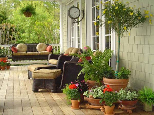 Home Terrace Garden With Minimalist Style
