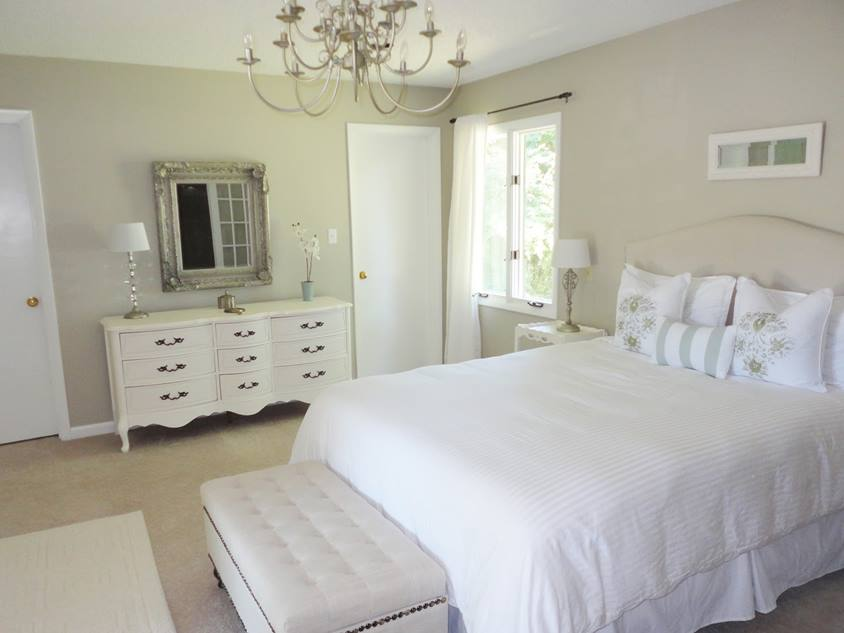 Shabby Chic Bedroom With White Theme