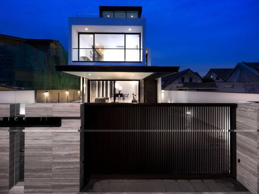 Simple Minimalist Fence For Elegant House