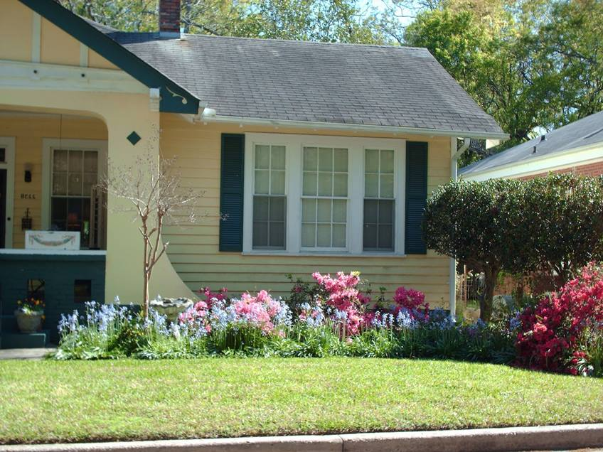 Beautiful Small Front Yard Design