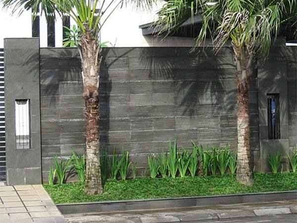 Black Natural Stone Fence Decor