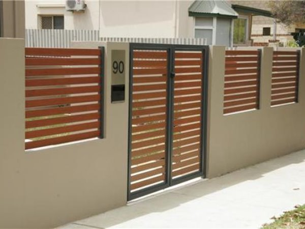 Brown Home Fence Color Scheme