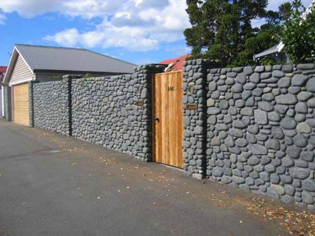 Design Of Natural Stone Fence