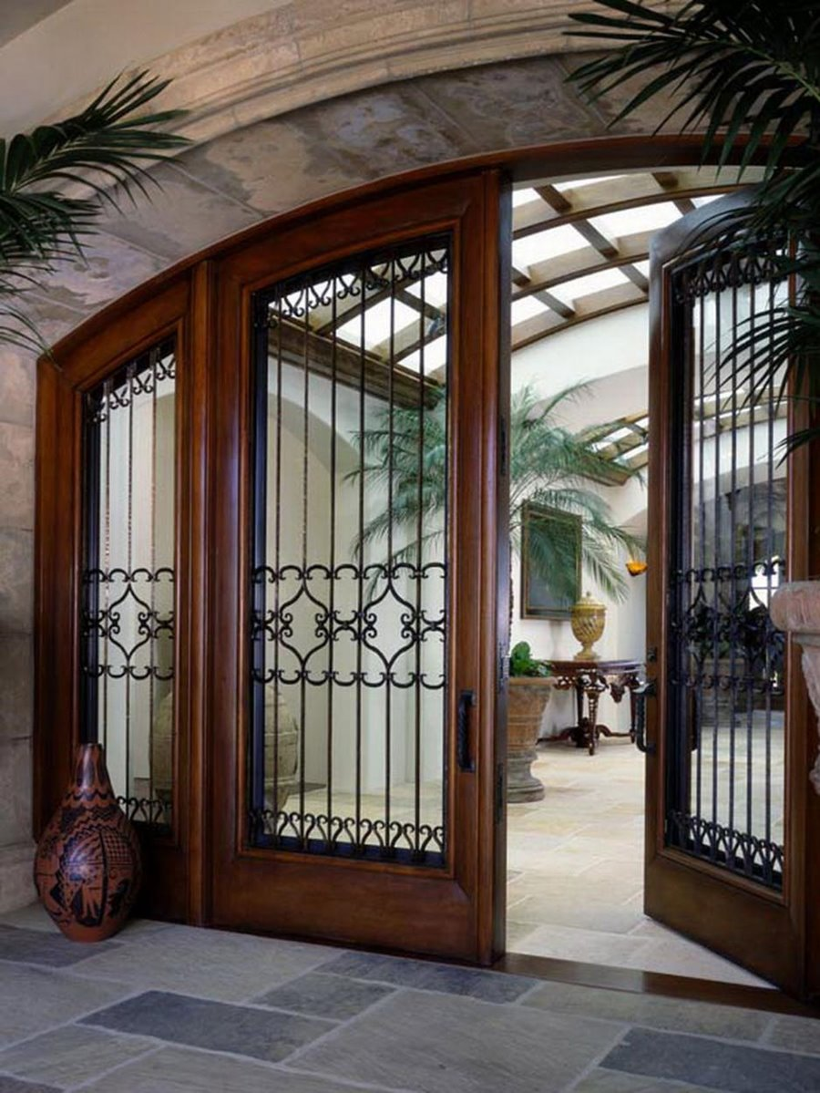 Charmant Elegant Front Door Trellis Design