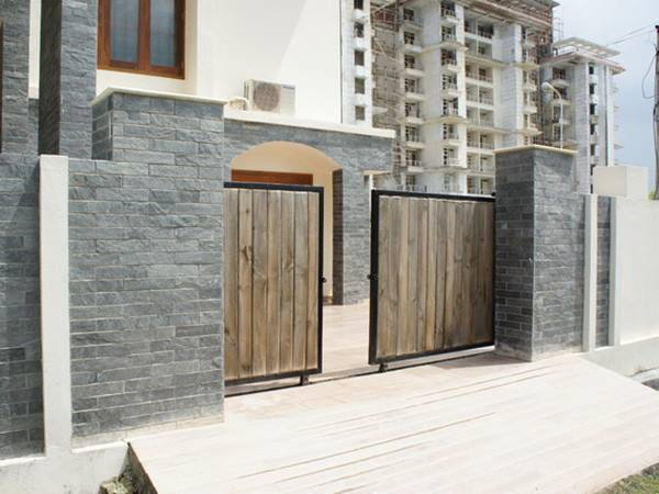 Natural Stone Fence Landscaping Idea
