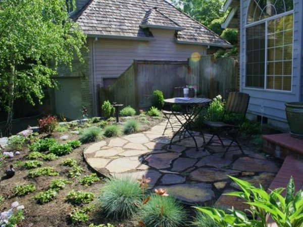 Small front yard ideas for minimalist home 4 home ideas for Small plants for front yard