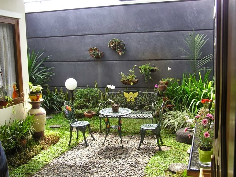 Latest minimalist backyard garden design ideas 4 home ideas for Small backyard garden