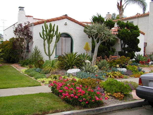 Tips For Small Front Yard Idea