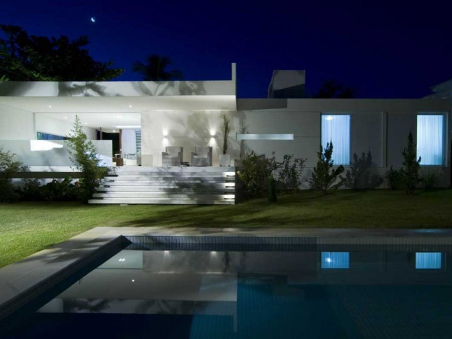 Beautiful Minimalist Tropical Home Exterior