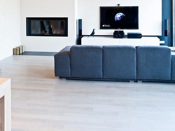 Elegant White Flooring For Minimalist Home