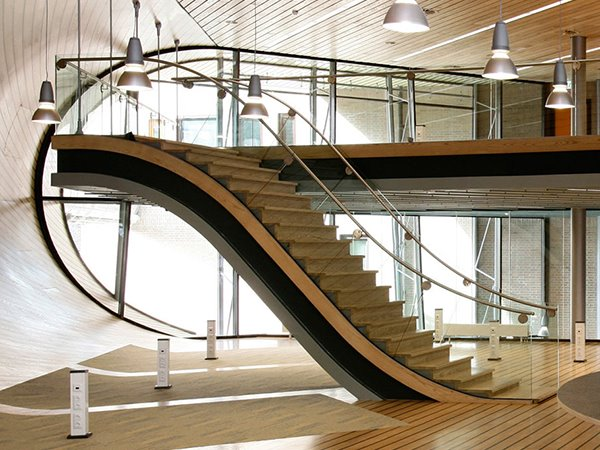 Latest Elegant Staircase Design Photo