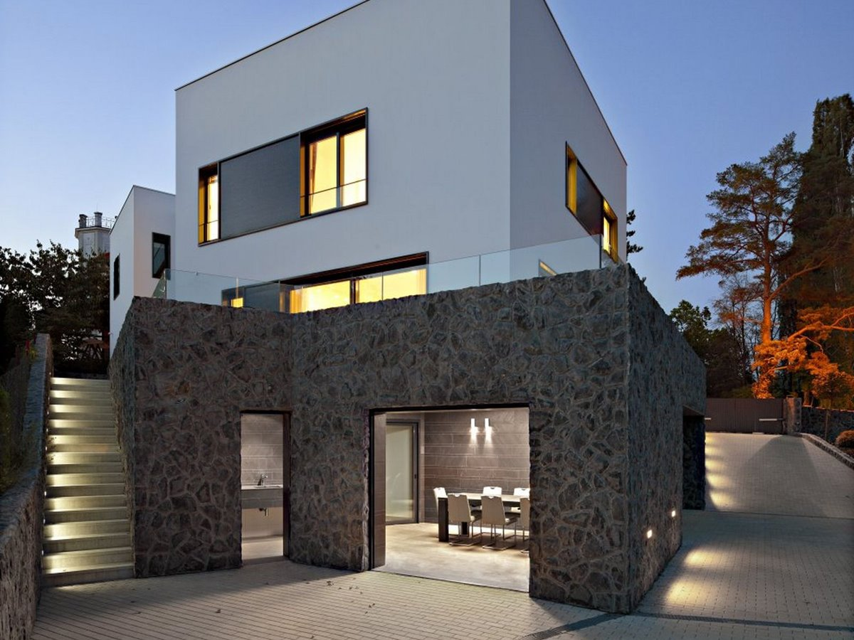 Luxury black white minimalist home 4 home ideas for Luxury minimalist house