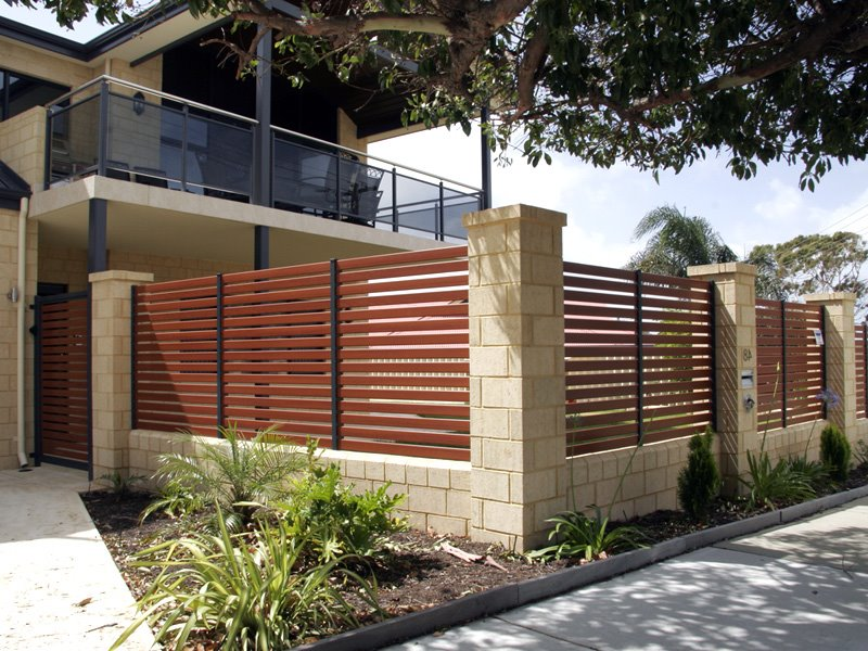 modern home fence with minimalist design - Home Designs 2015