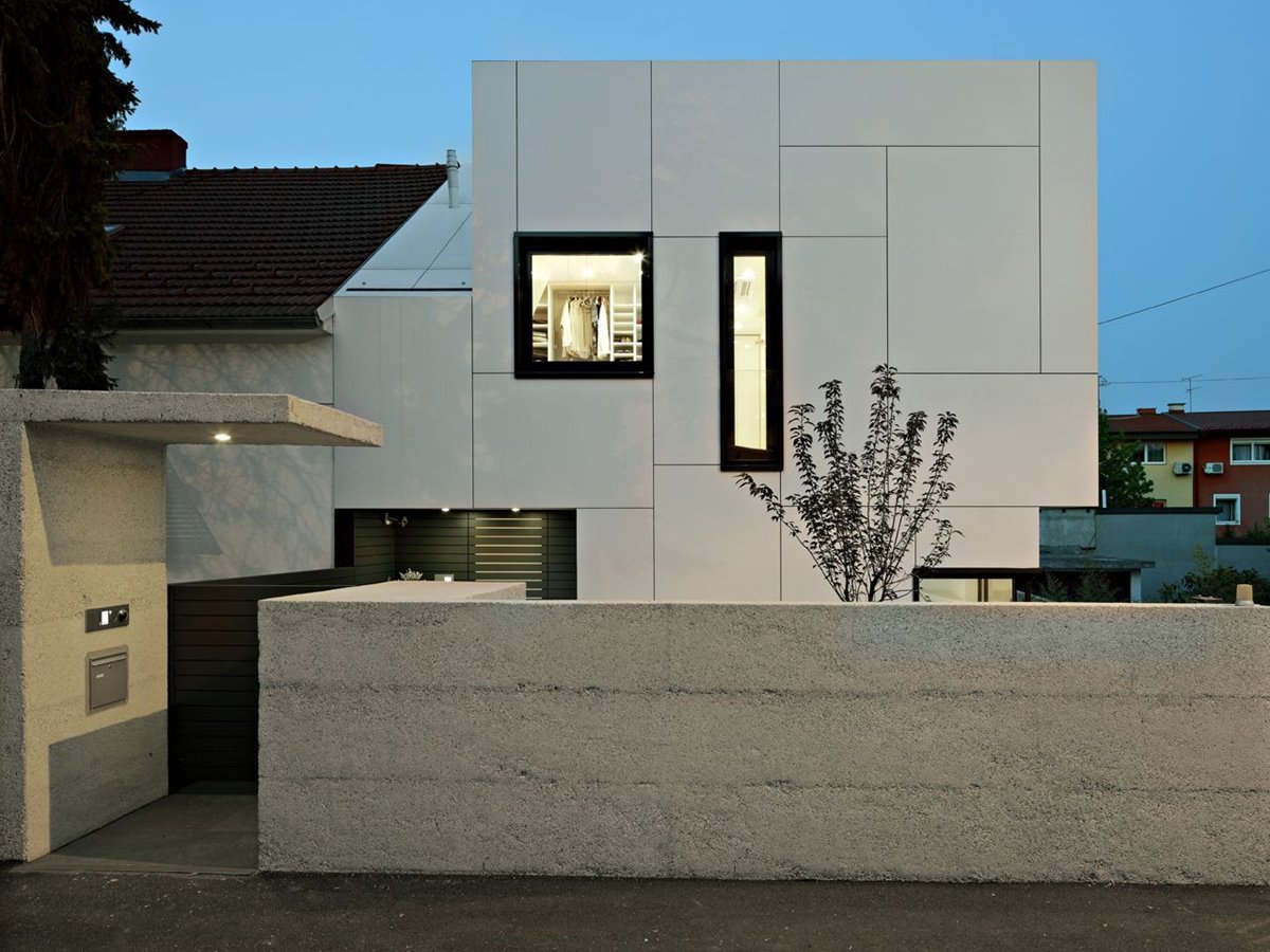 Modern White Minimalist Home Fence Color