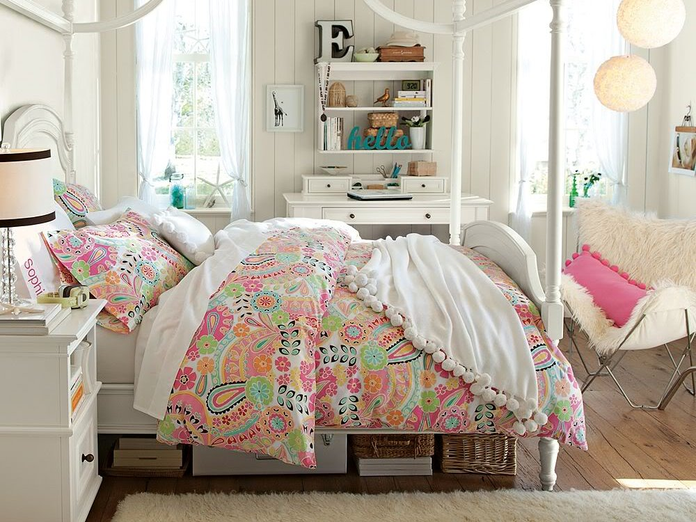 Small Girly Bedroom Design Ideas