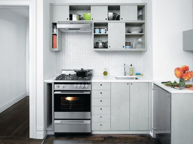 White Minimalist Kitchen Cabinet Design