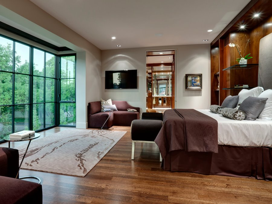 Window design for luxury master bedroom ideas 4 home ideas for Beautiful main bedrooms