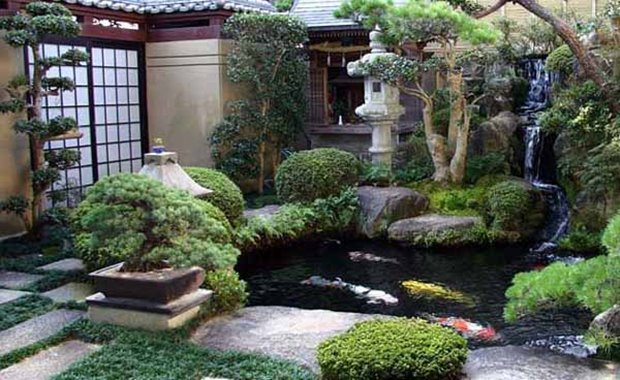 Japanese Garden With Small Pond on Japanese Style Bedroom