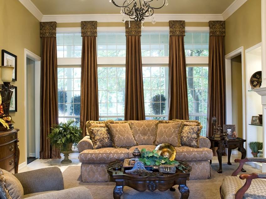 Luxury Living Room With Beautiful Curtains Design