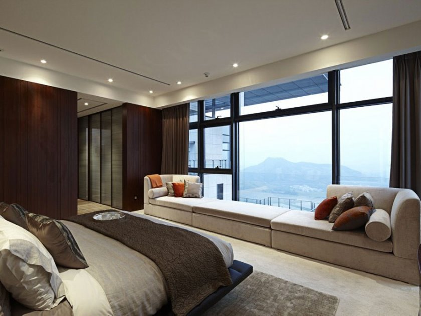 Luxury Main Bedroom Window Decoration