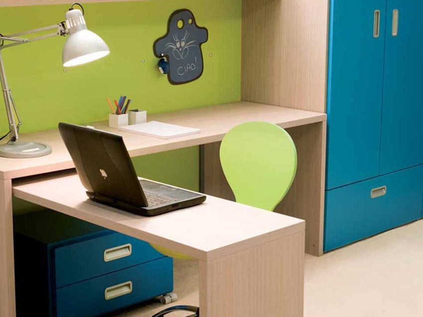 Minimalist Bedroom Desk Design For Kids