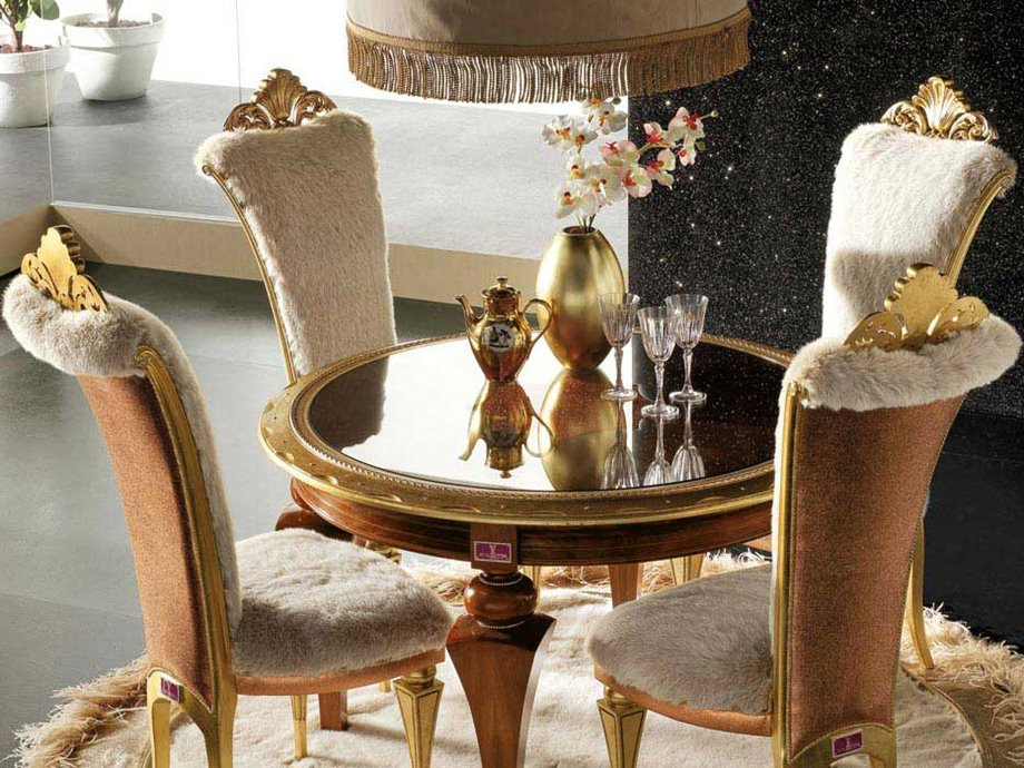 Small Luxury Dining Table Set