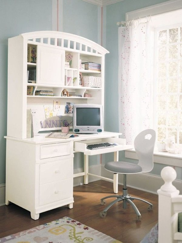 White Desk Color For Small Kids Bedroom