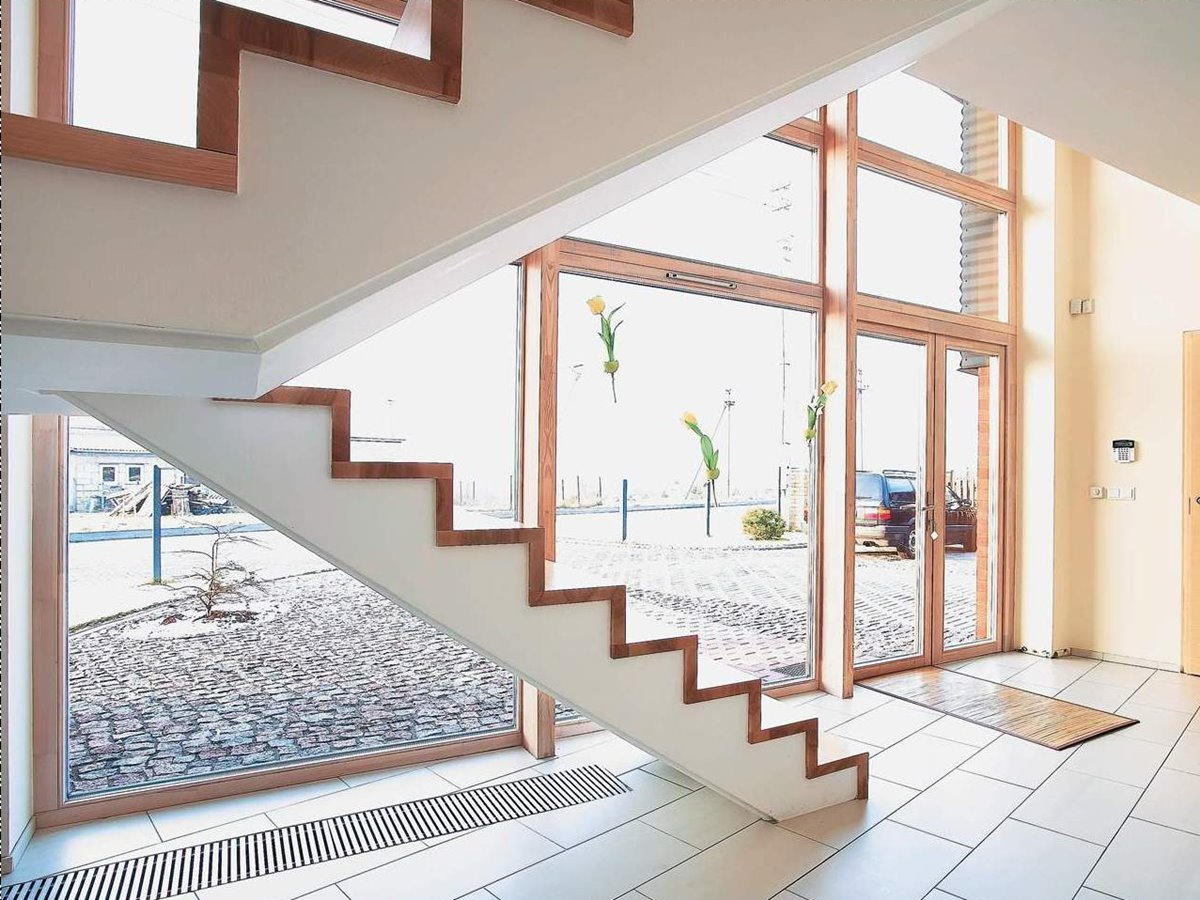 Zig Zag Stairs For Minimalist Home